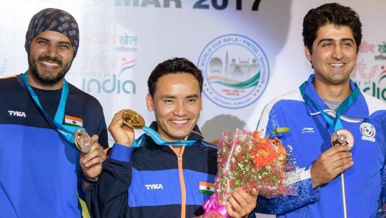 Jitu Rai (Centre) & Amanpreet Singh (Left)