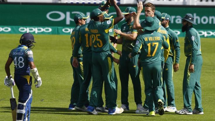 taking-africa-wicket-niroshan-morkel-celebrates-dickwella_af2de4dc-486c-11e7-815c-f4e1adc20f07.jpg