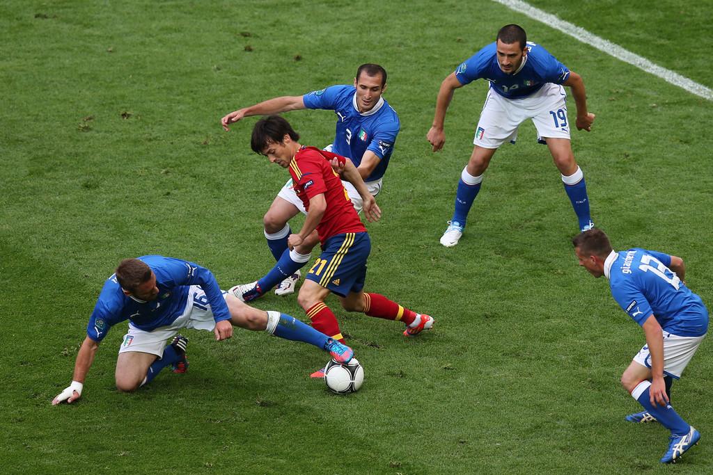 Spain+v+Italy+Group+C+UEFA+EURO+2012+HHpFawRxdw9x