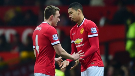 phil-jones-chris-smalling-manchester-united_11xunywlvp0g01jldrkb48o4qc.jpg